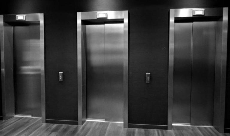 Dromen over lift: Droom Betekenis, Symbolen