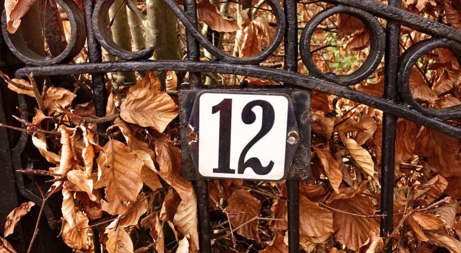 Numerologie 12: Nummer Betekenis en Symbolen