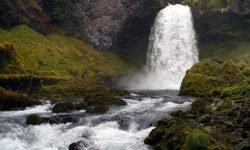 Dromen over waterval, wat betekent dat?