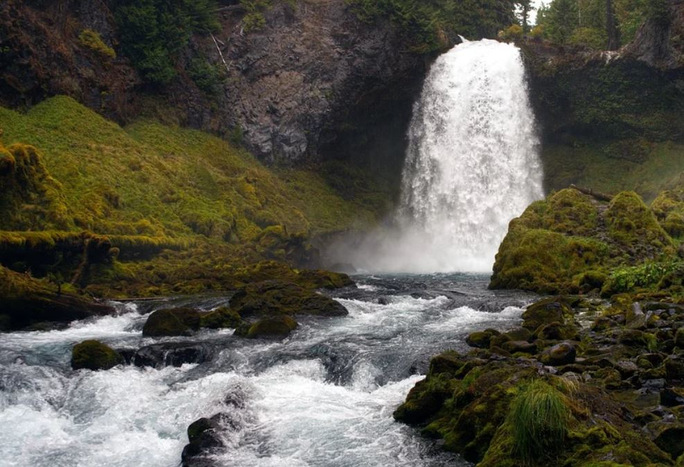 Dromen over waterval